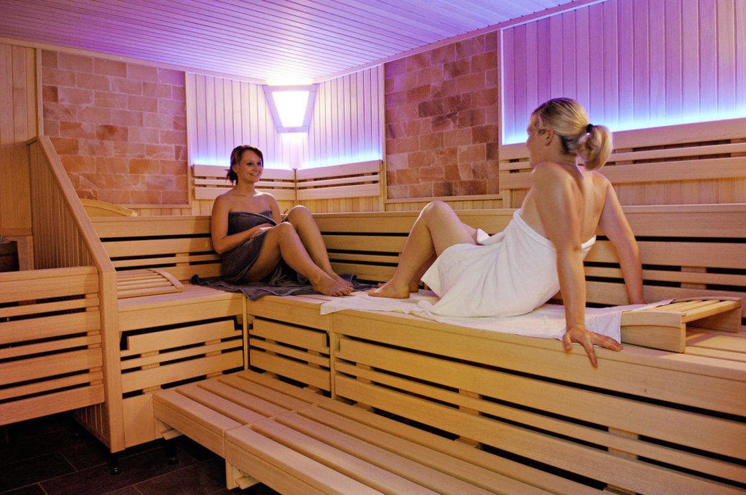 sauna wellnessbereich moselstern parkhotel kr hennest l f holidaycheck rheinland pfalz. Black Bedroom Furniture Sets. Home Design Ideas