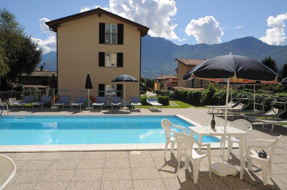 Pool Lakeside Holiday Resort