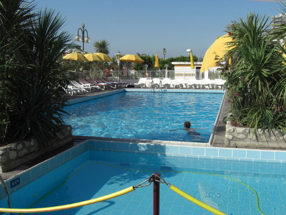Pool Hotel Majestic