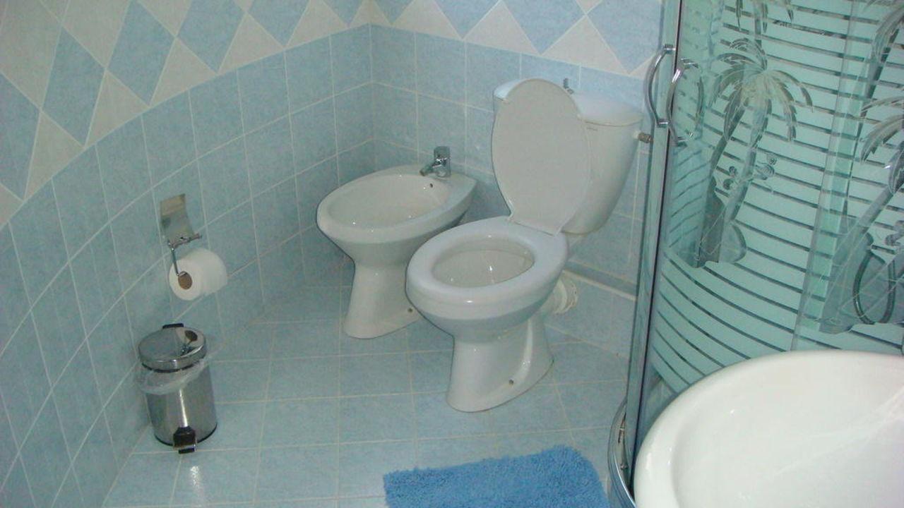 Sanitäreinrichtung  Sanitäreinrichtung