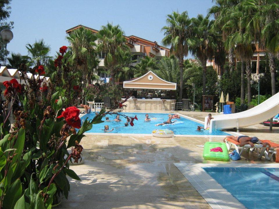 Der pool mit rutsche und poolbar nergos garden hotel colakli holidaycheck t rkische - Pool mit rutsche ...