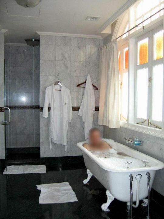 Bathroom Eastern and Oriental Hotel Penang