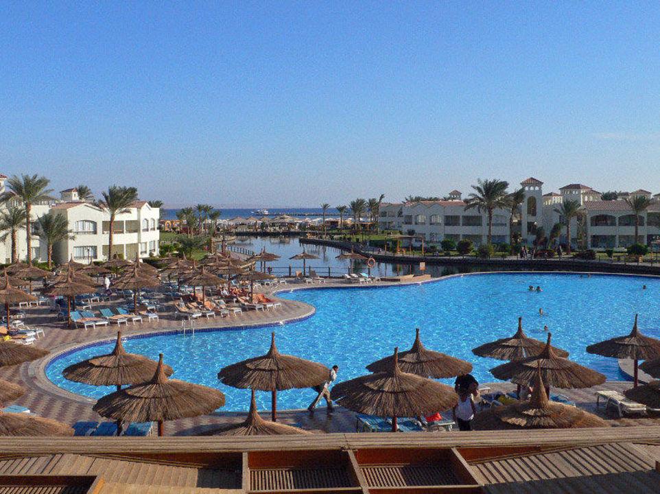 Poolanlage Dana Beach Resort
