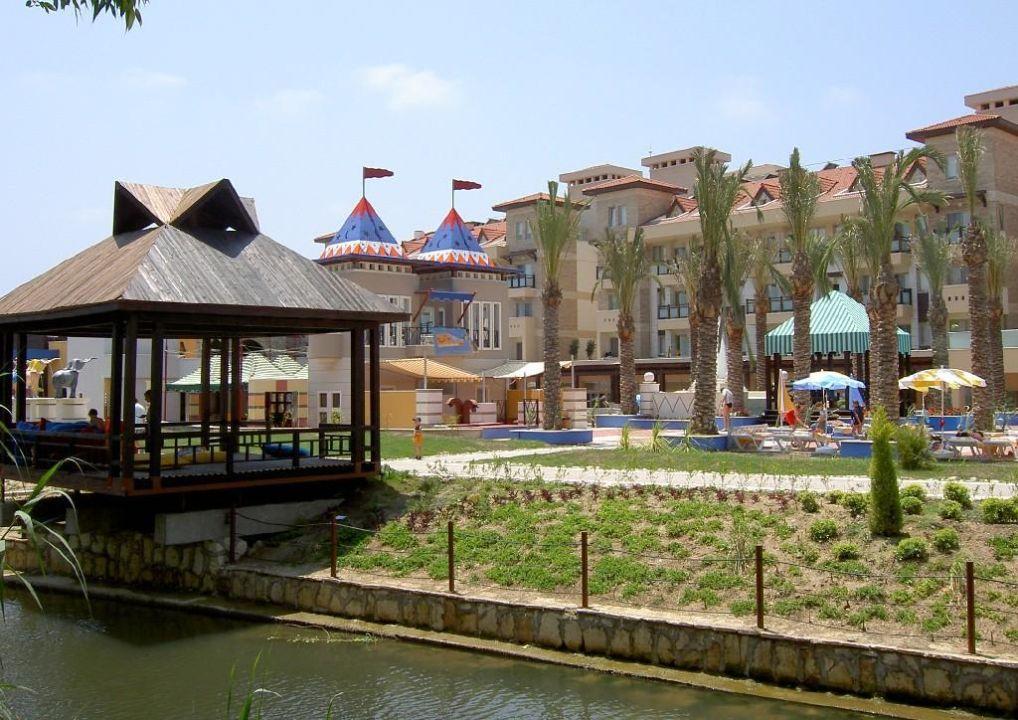 Angrenzender Kanal lti Xanthe Resort & Spa