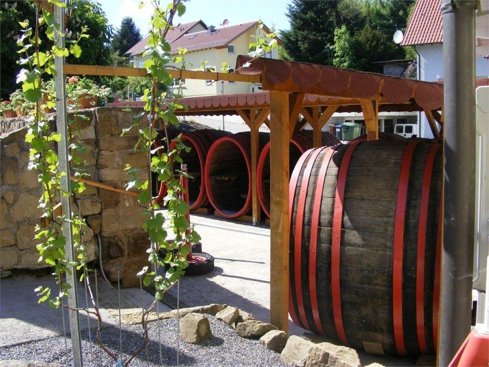 Sitzmöglichkeiten in Weinfässer\