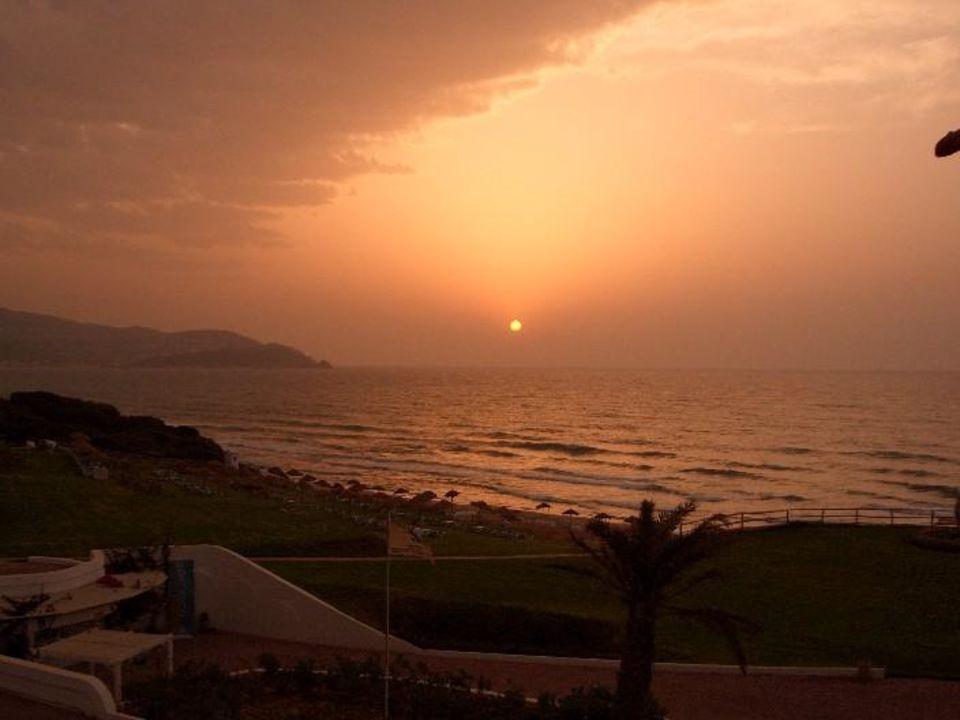 Sonnenuntergang über dem Meer Hotel Club Valtur Tabarka