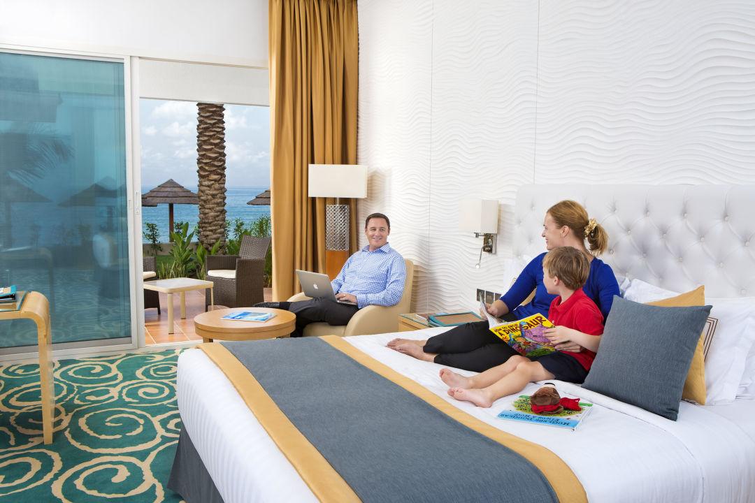 Villette King Bed Oceanic Khorfakkan Resort & Spa