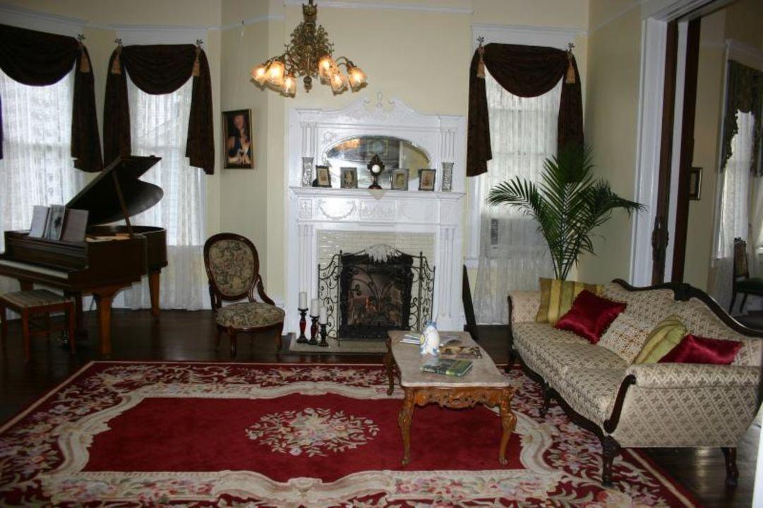 Parlor Bisland House Bed & Breakfast