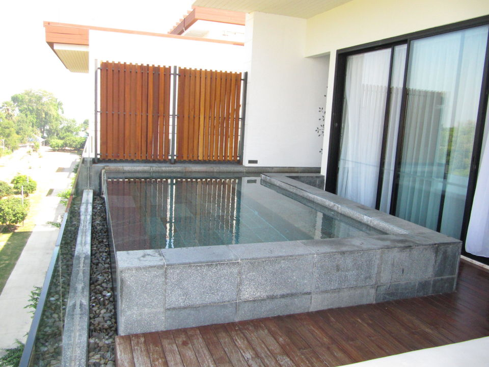 Deluxe sky pool villa hotel cape nidhra hua hin holidaycheck hua hin cha am thailand - The sky pool a deluxe adventure ...