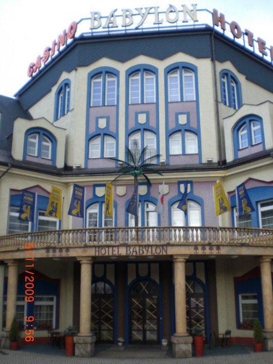 Eingang WELLNESS HOTEL BABYLON
