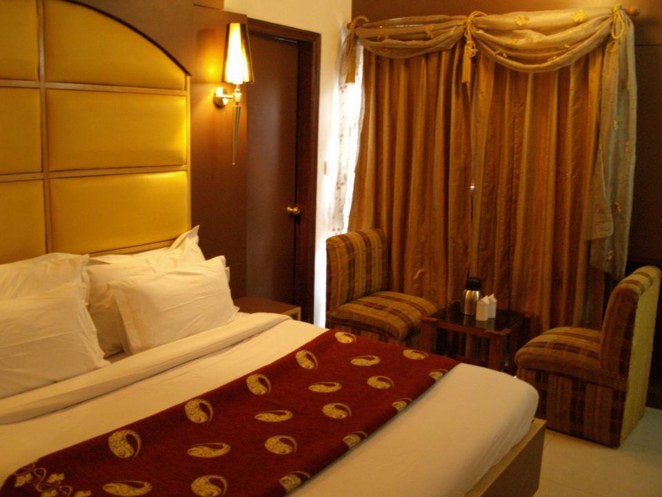 Deluxe Hotel Sri Nanak Continental