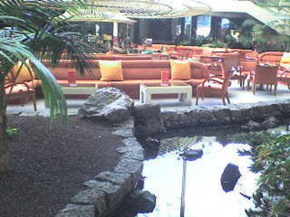 Eine begrünte Bar Hotel Grand Teguise Playa