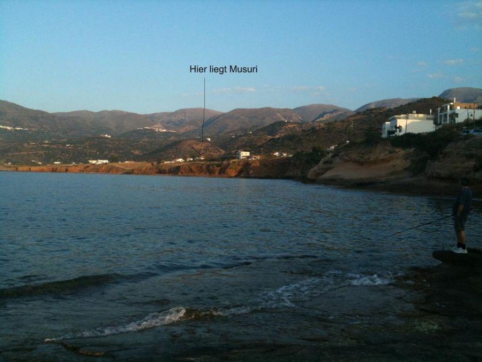 Meeresbucht mit Haus Musuri Bungalow Musuri