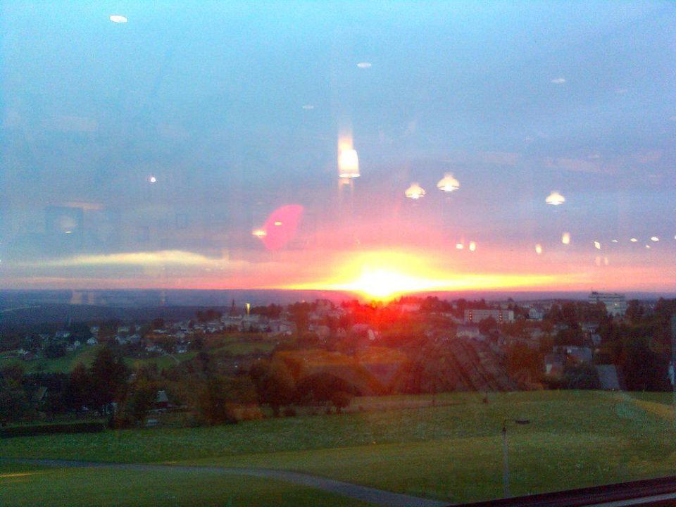 Sonnenuntergang Ausblick Restaurant IFA Schöneck Hotel & Ferienpark