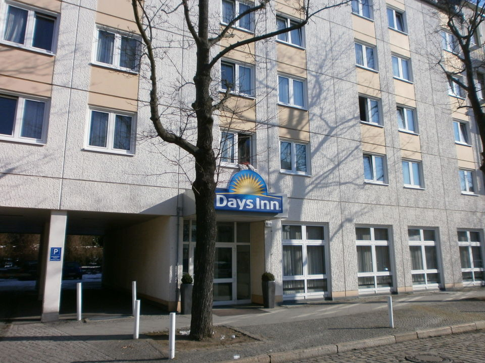 Der Eingang vom Hotel Good Morning Berlin City West