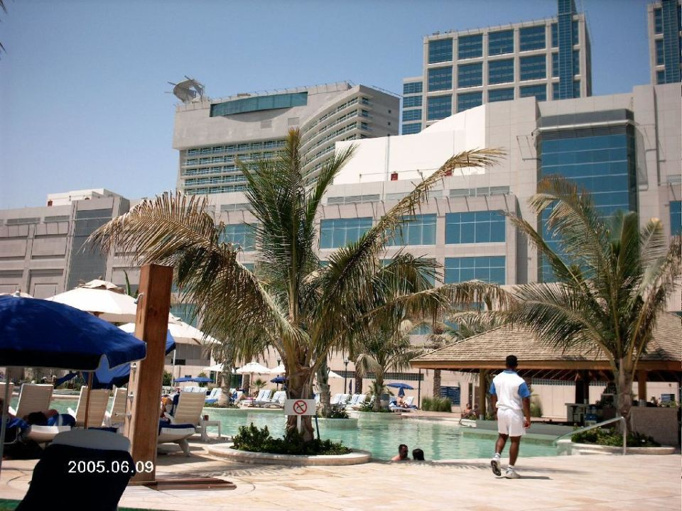 Pool Hotel Beach Rotana