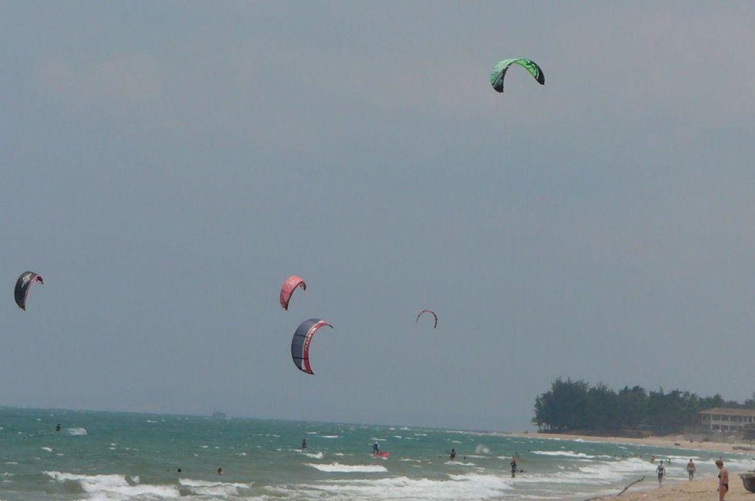 Kitesurfer Saigon Mui Ne Resort
