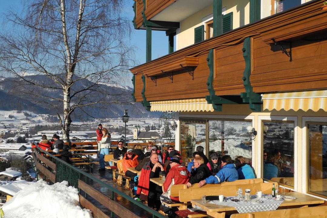 Teil Der Terrasse Hotel Zur Schonen Aussicht St Johann In Tirol