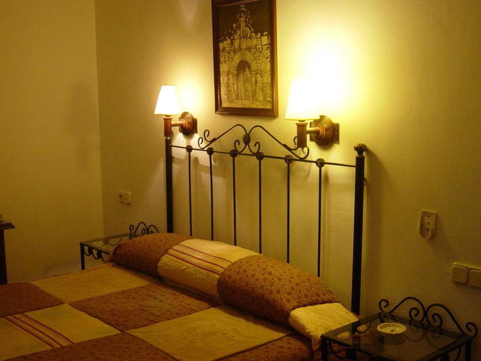 Habitacion matrimonial Hostal Colon Antequera