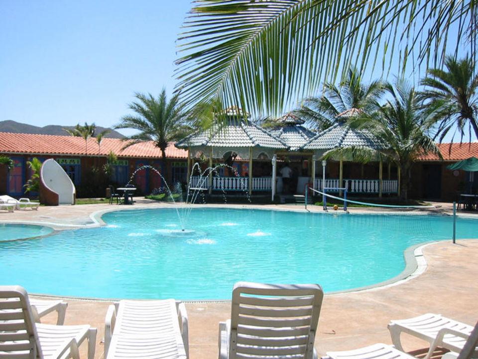 Hotelpool im Club Flamenco Hotel Flamenco Villas / Beach Club