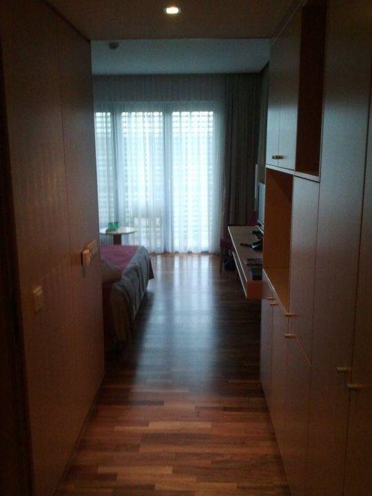 Blick von der Zimmertür ins Zimmer Hotel Therme Laa an der Thaya