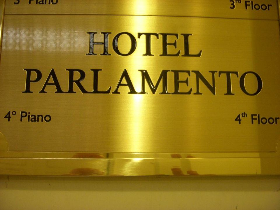 Sign for the hotel parlamneto Hotel Parlamento