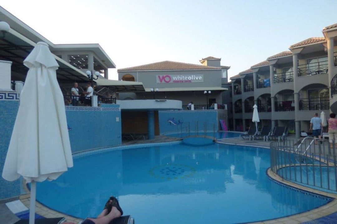 """""""Stare"""" baseny White Olive Premium Hotel"""