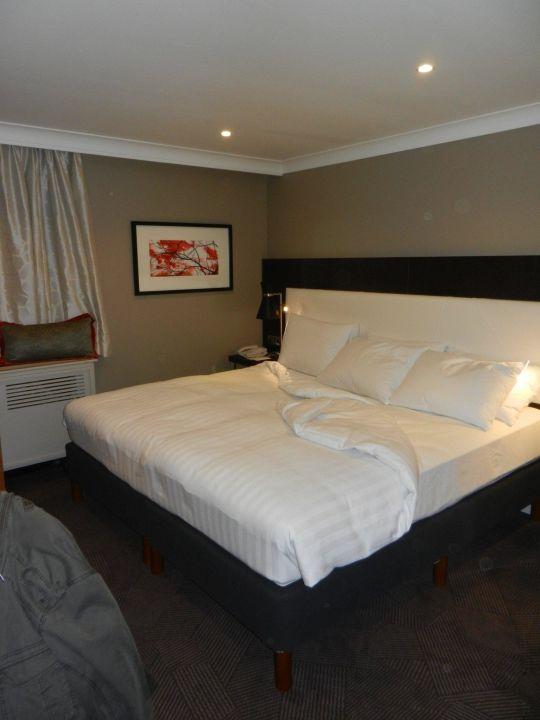 Queensize Bett Mit Top Matratze Doubletree Hotel By Hilton London