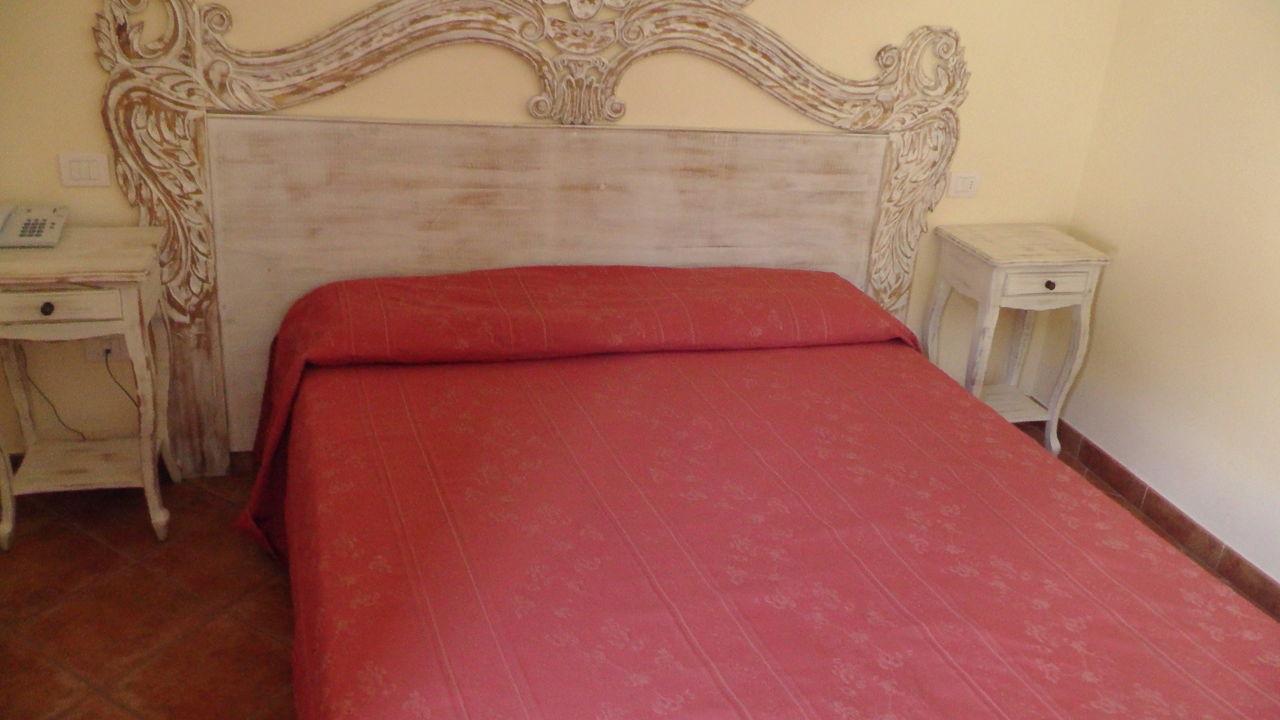 Saubere, große Zimmer Alessandro Hotel