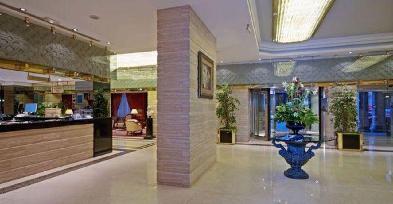 Recepción Hotel Melia Granada