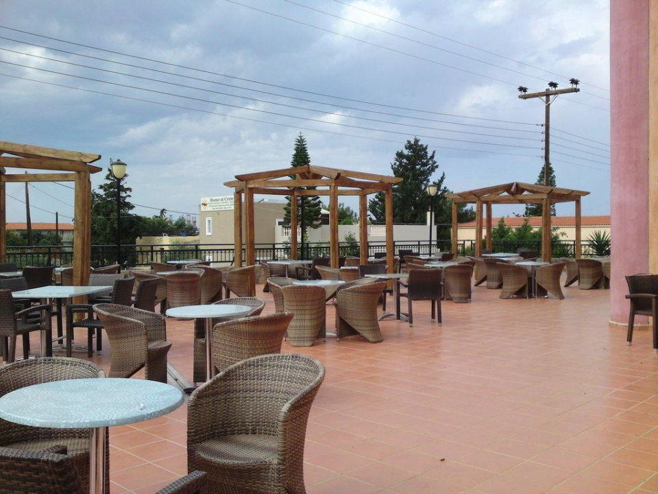 Terrasse des Cotton Club SENTIDO Vasia Resort & Spa