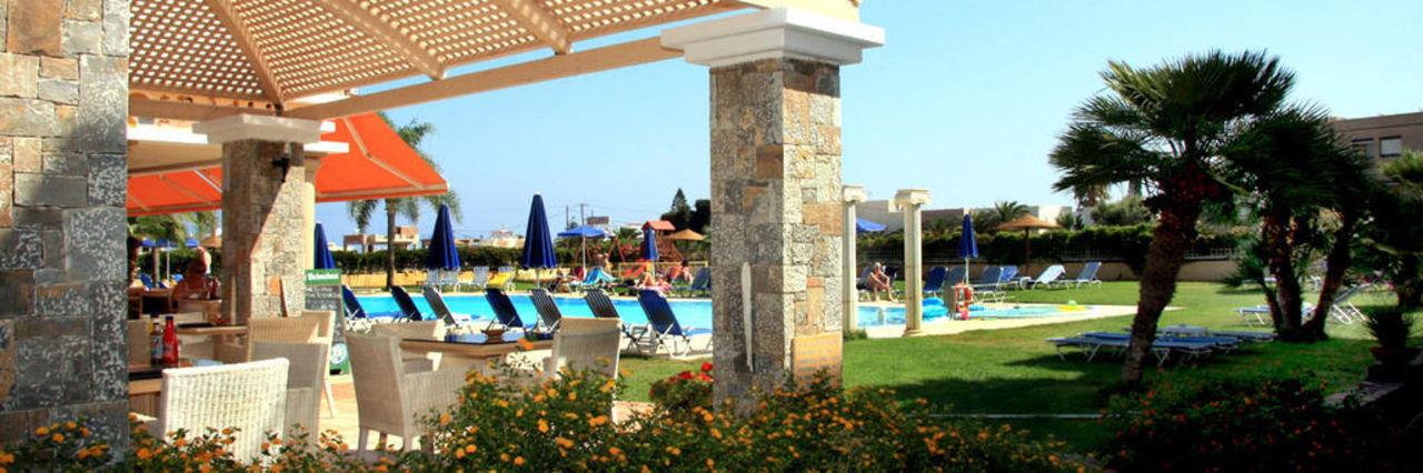 Garden Socrates Hotel