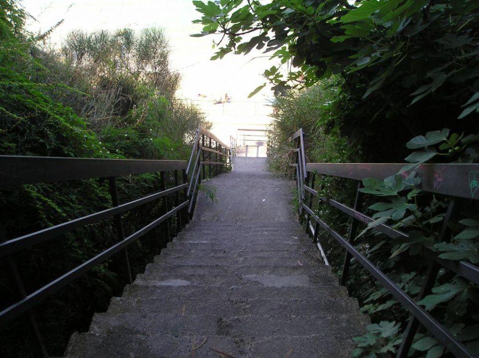 Treppe zum Strand Hotel Santa Lucia e Le Sabbie d'Oro