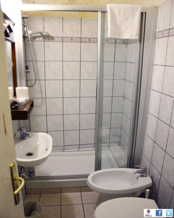 Bathroom Hotel Spagna