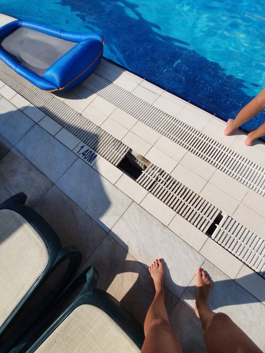 Pool Side Crown Charm Palace