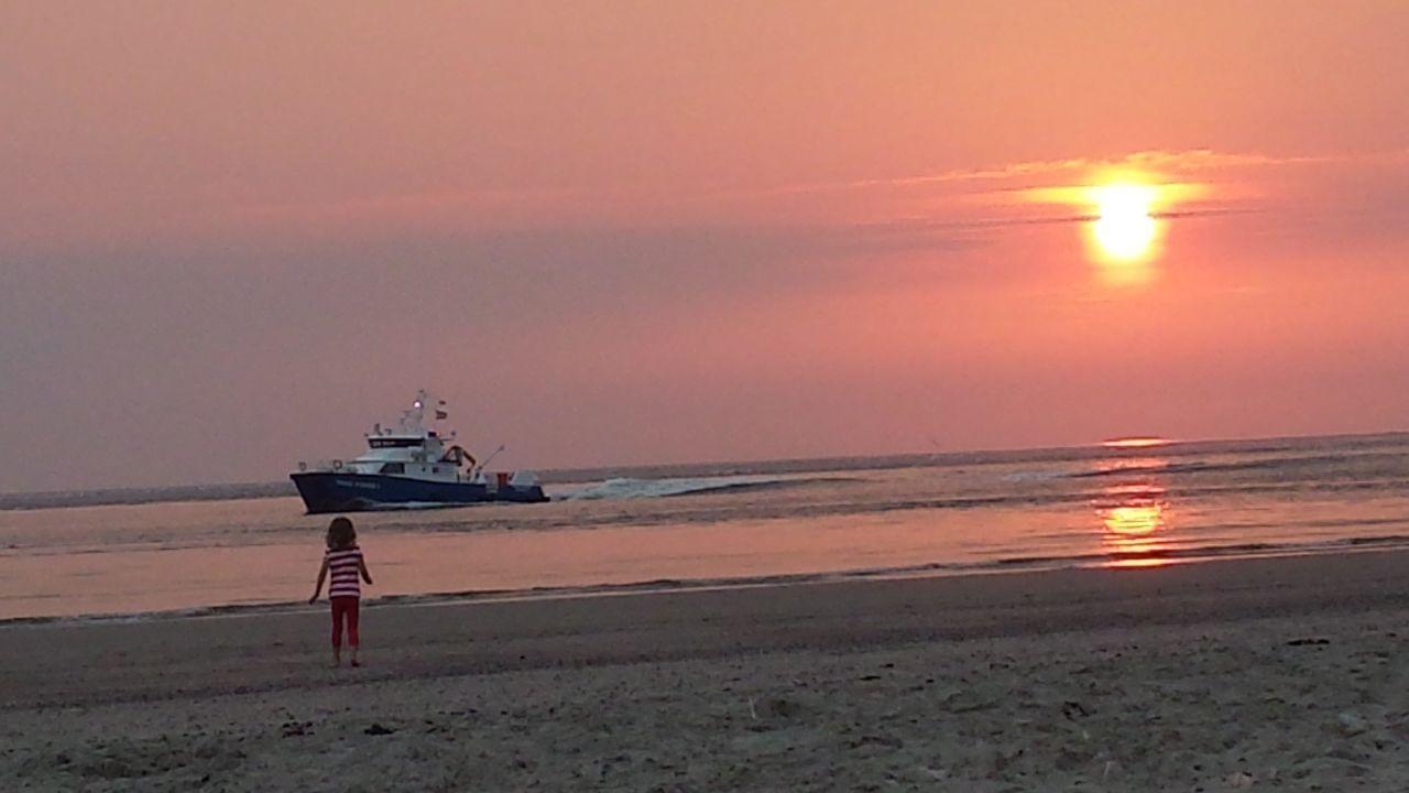 Strandhaus am meer  Sonnenuntergang am Meer