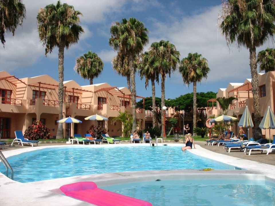 Bild kleiner pool zu hotel turbo club in maspalomas for Kleiner pool