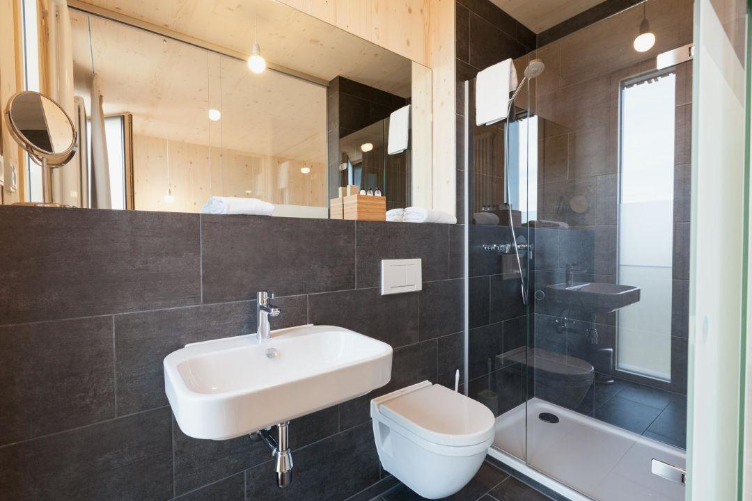 bader hotel badezimmer bader hotel parsdorf holidaycheck bayern deutschland. Black Bedroom Furniture Sets. Home Design Ideas