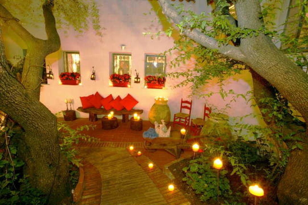 ristorante hotel su gologone oliena holidaycheck sardinien italien. Black Bedroom Furniture Sets. Home Design Ideas