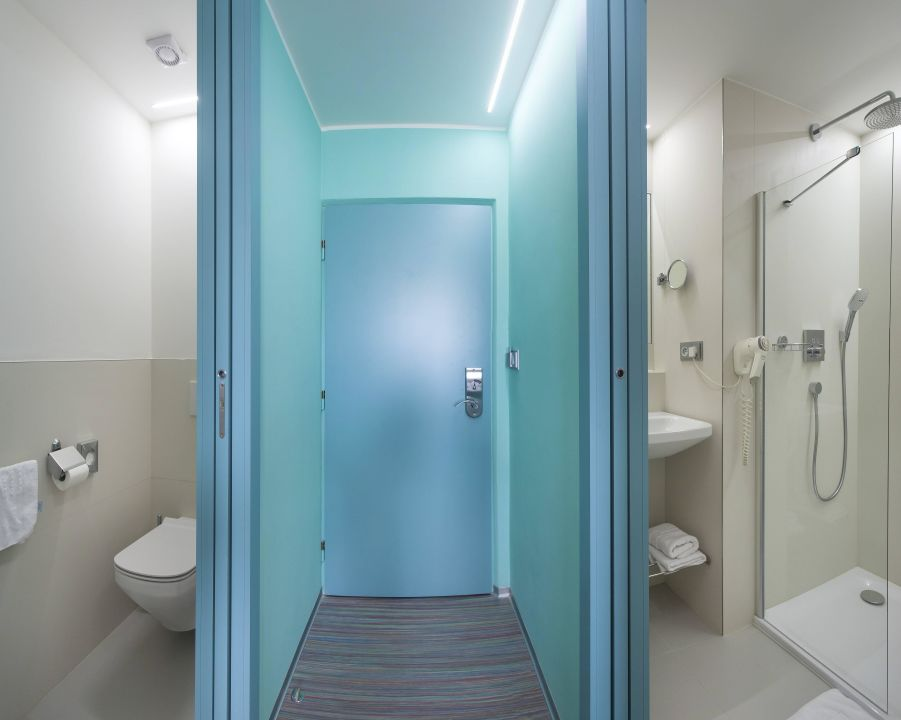 Superior Bathroom With Separate Toilet Hotel Continental Brno
