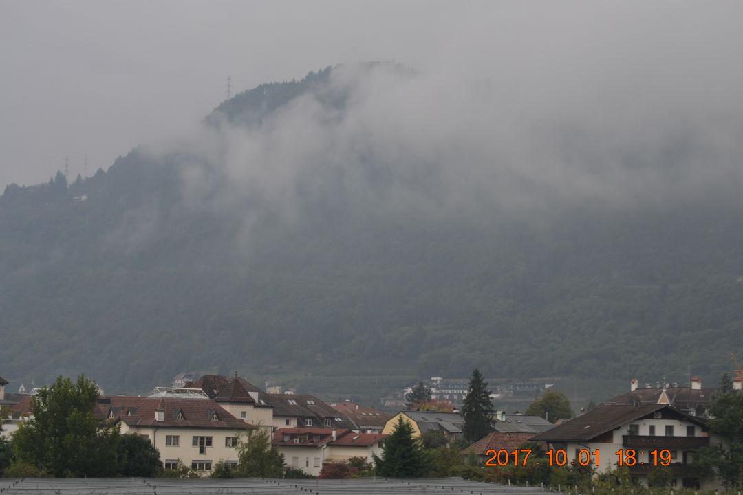 Ausblick Im Tiefenbrunn Gardensuites & Residence