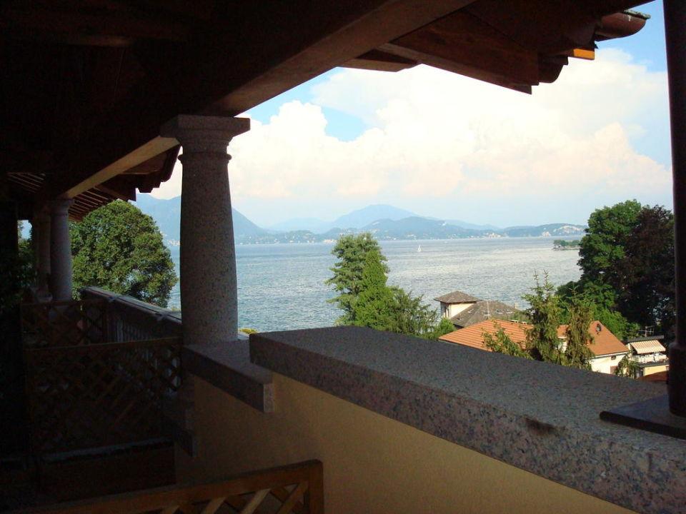 Balkonblick Seeseite Villa Azalea