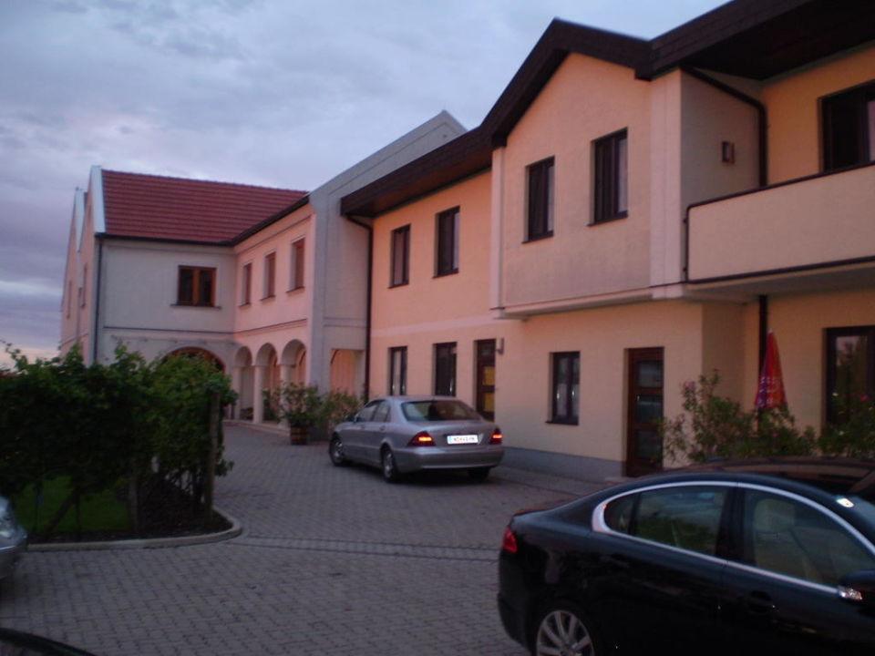 Pension Seeblick Sonnenaufgang  Pension & Weingut Seeblick