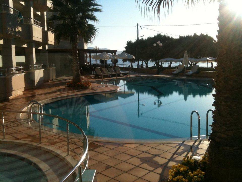 Basen Hotel Molos Bay
