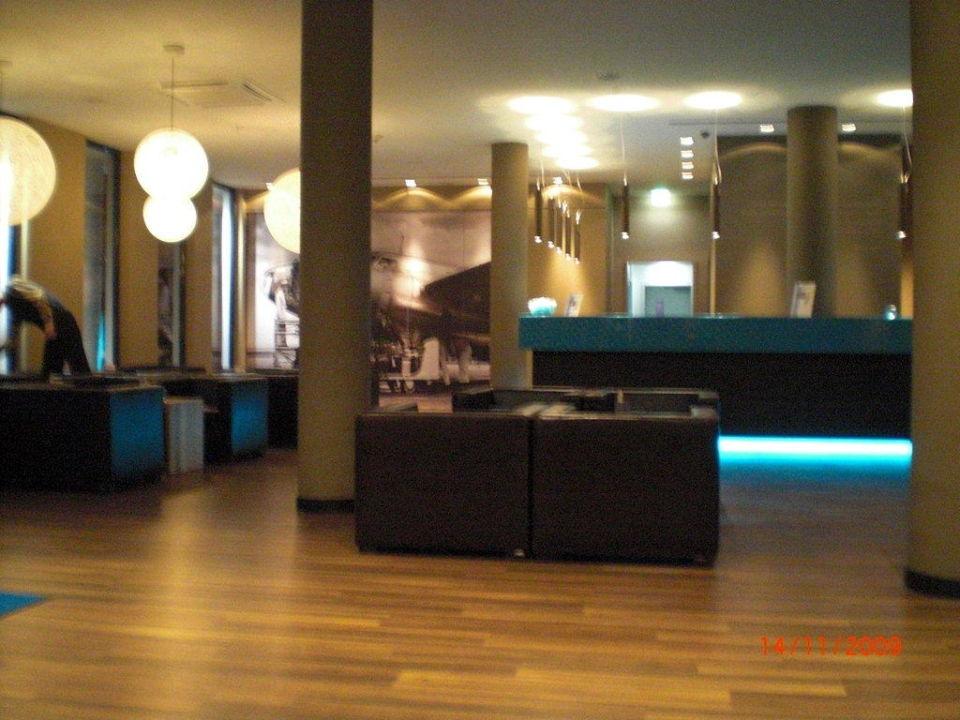 Sitzmöglichkeiten Motel One Hamburg Airport