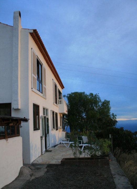 Rückansicht mit zweiter Terrasse Casa Las Uvas
