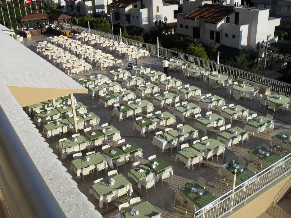 Uitzicht voorbereiding voor het diner buffet Hotel Ephesia