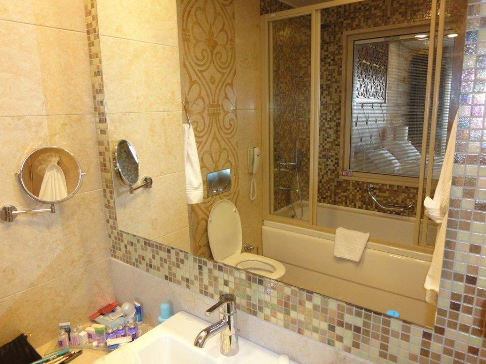 badezimmer mit fenster melas lara hotel lara holidaycheck t rkische riviera t rkei. Black Bedroom Furniture Sets. Home Design Ideas