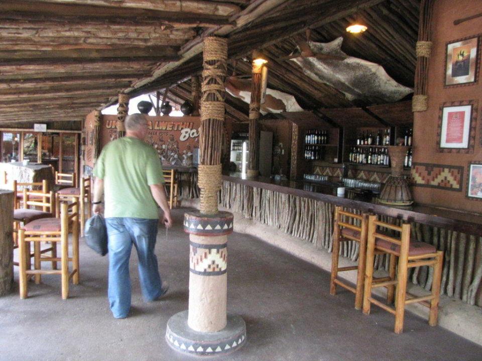 In der offenen Bar Hotel Protea Shakaland