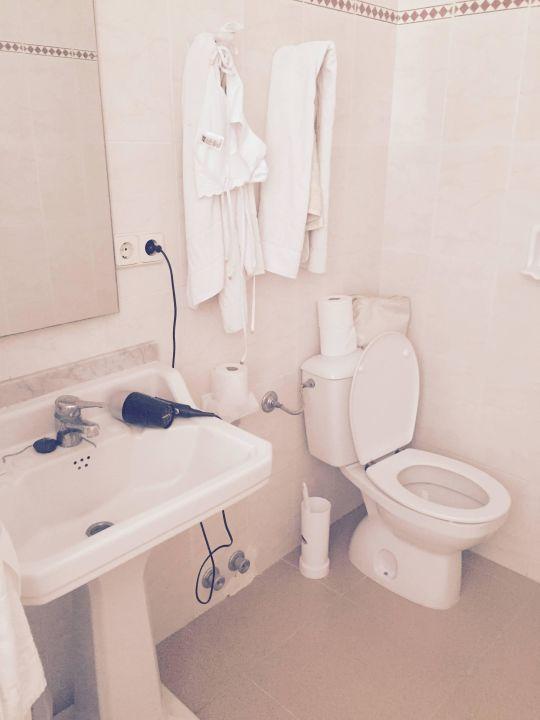 """bild """"unser badezimmer mit ameisen auf dem boden"""" zu hotel"""